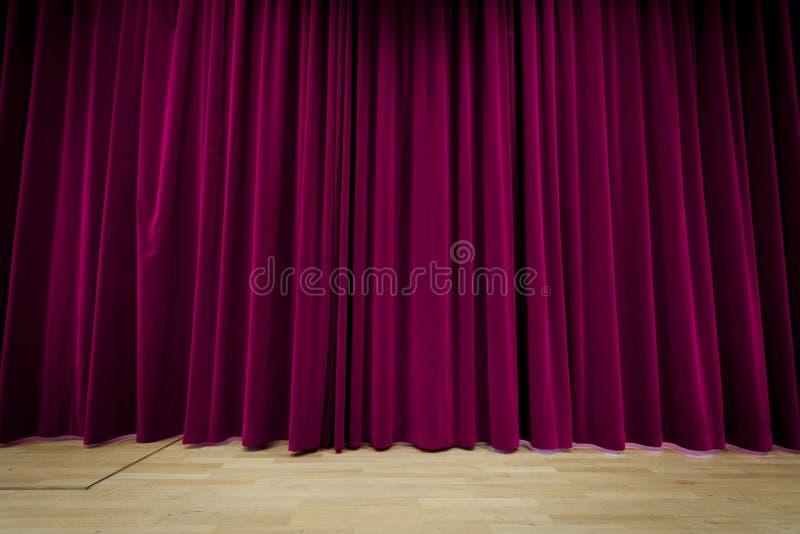 紫色帷幕背景 库存图片