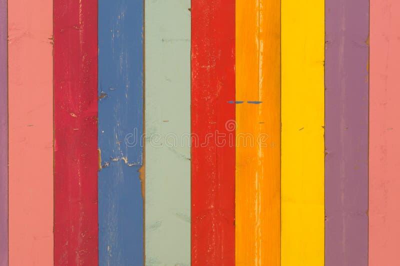 色彩各异的彩色木质背景 库存照片