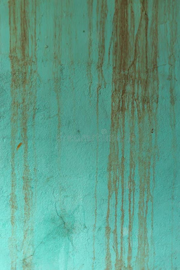水色有滴水纹理的被绘的墙壁 免版税库存图片