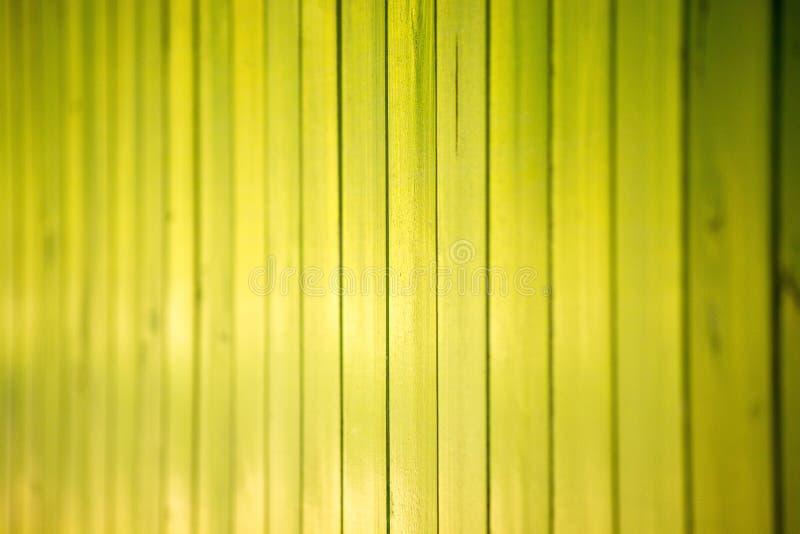 黄绿色木头纹理 免版税库存照片