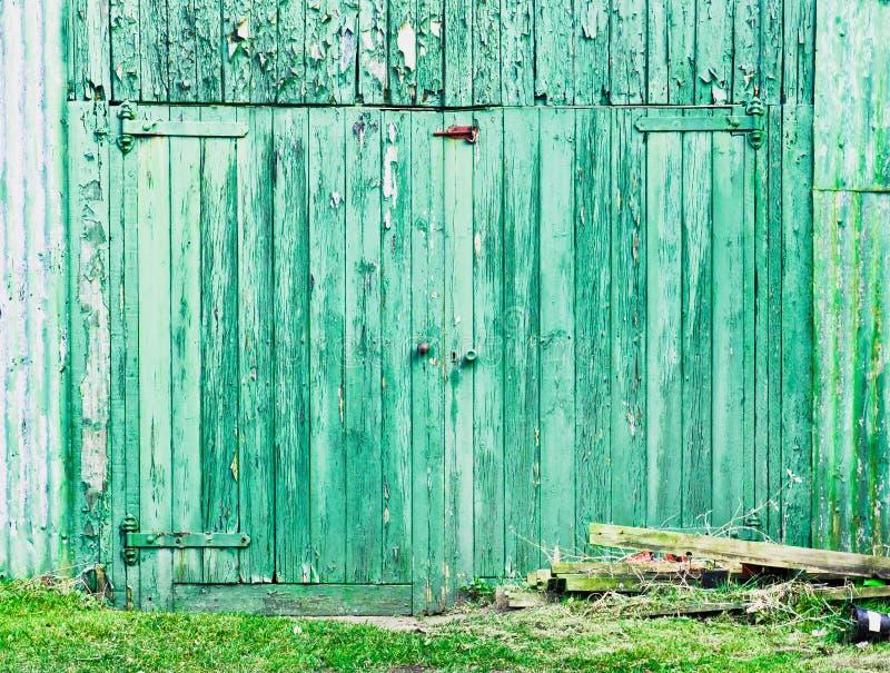 绿色毂仓大门 库存照片