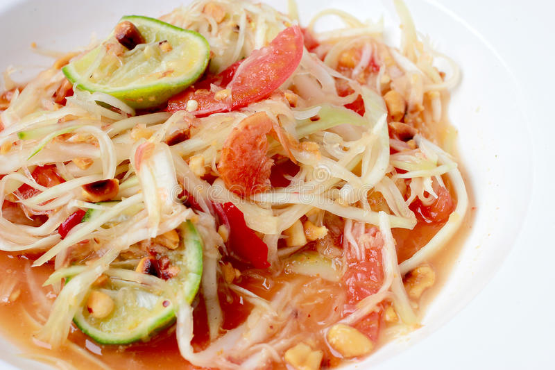 绿色番木瓜沙拉& x28; 索马里兰胃Thai& x29;在桌上 泰国烹调辣可口 图库摄影