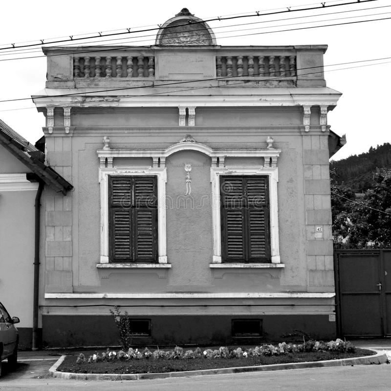 黑色白色 典型的房子在村庄科德莱亚,特兰西瓦尼亚,罗马尼亚 免版税库存图片