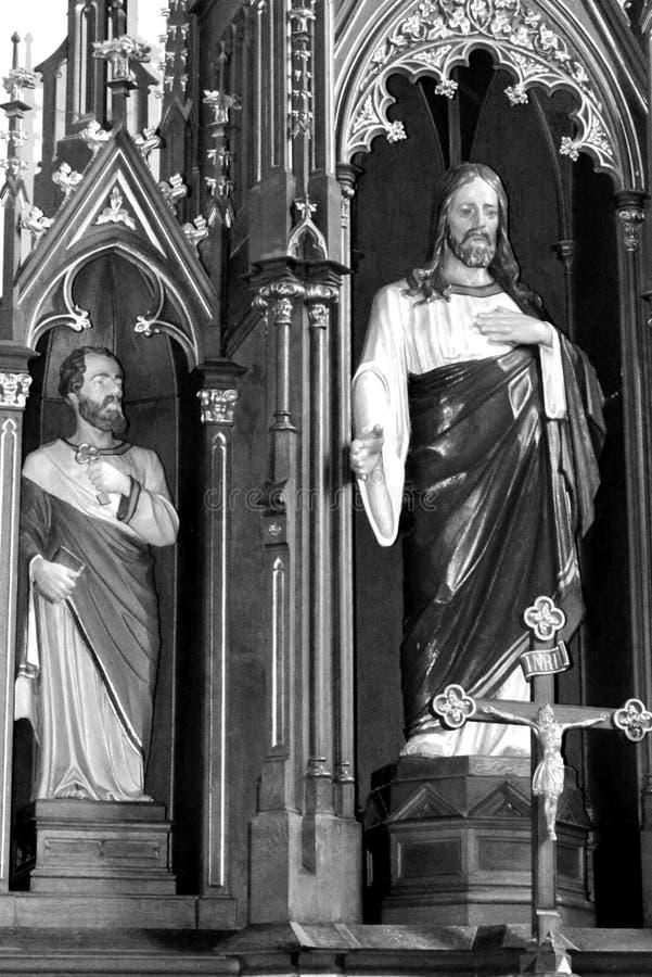黑色白色 在被加强的中世纪撒克逊人的教会科德莱亚里面,特兰西瓦尼亚,罗马尼亚 免版税库存图片