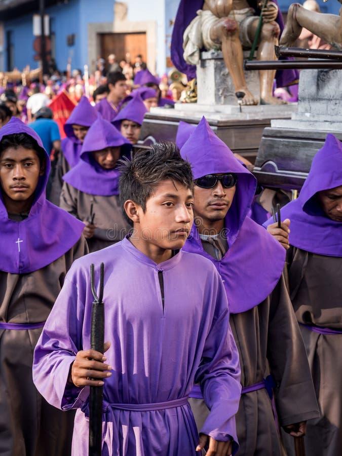 复活节队伍的男孩在安提瓜岛 免版税库存图片