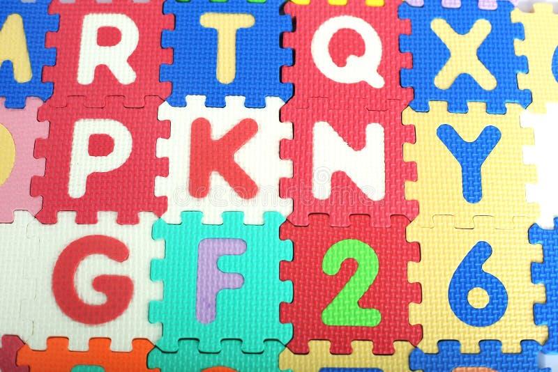 色的字母表信件和数字的图片 库存图片