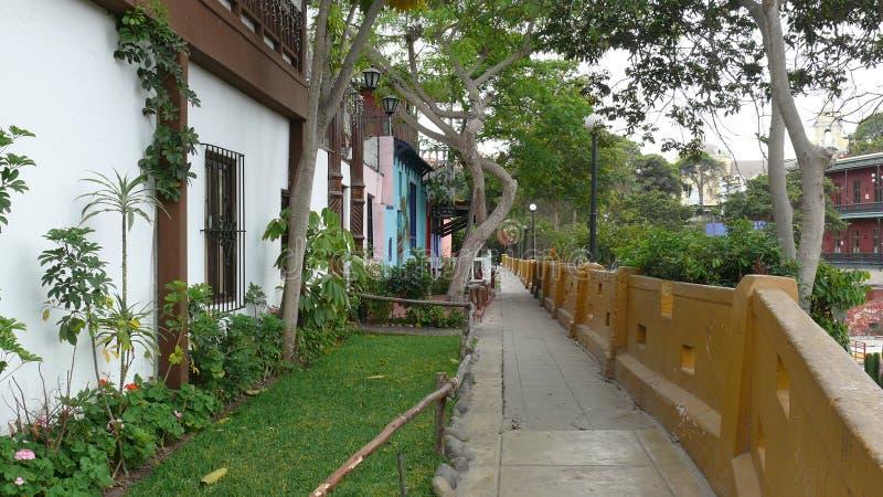 色的小屋在Barranco,利马 免版税库存照片