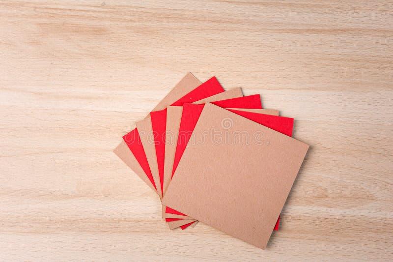 色的方形的纸板 免版税库存照片