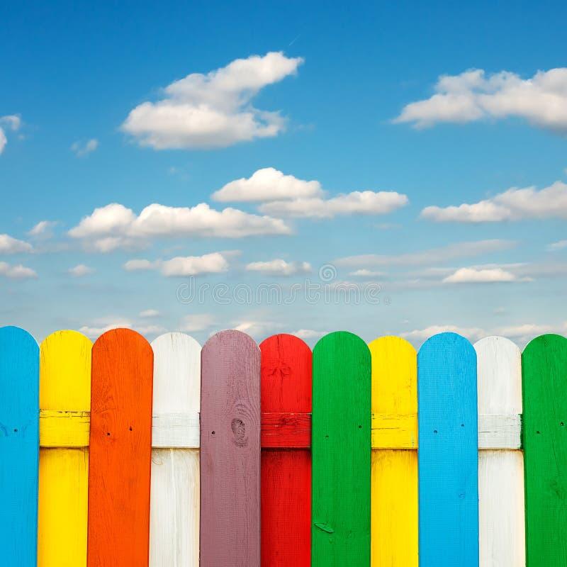 Download 色的木篱芭 库存照片. 图片 包括有 备件, 友好, 其它, brighting, 上色, 模式, 更多 - 62533182