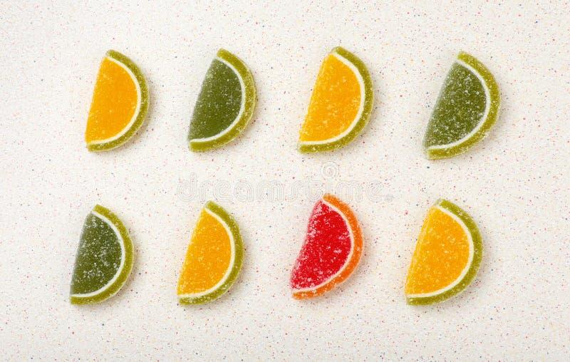 色的橘子果酱甜点 免版税库存图片