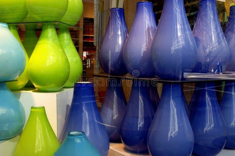 色的玻璃花瓶 库存图片