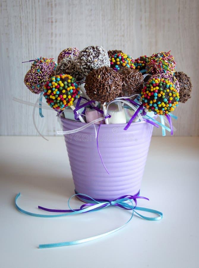色的甜popcake蛋糕流行糖果 免版税库存照片