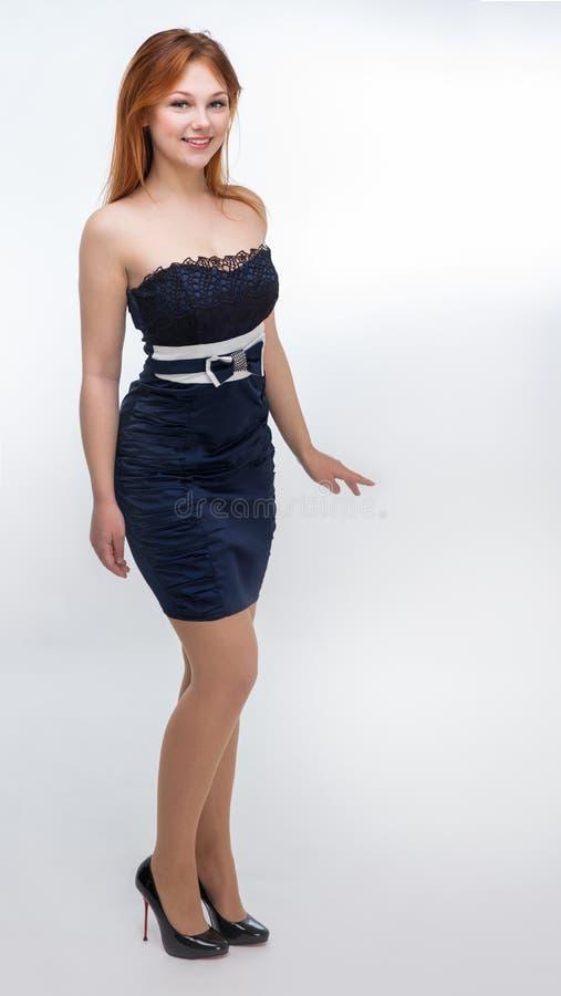 黑色礼服妇女年轻人 免版税图库摄影