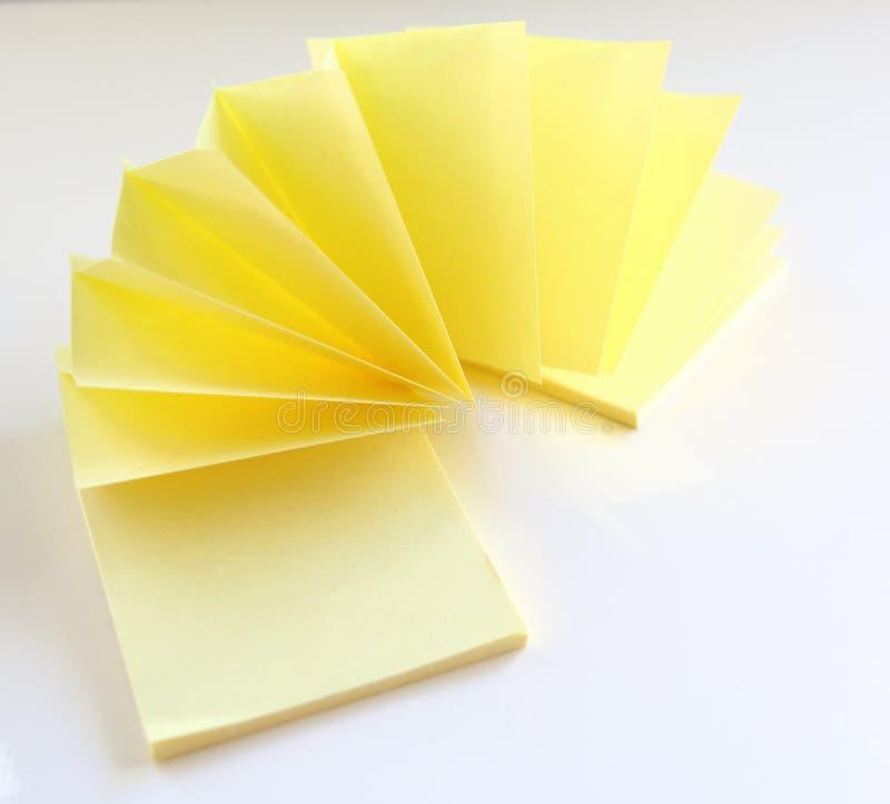 黄色纸贴纸 备忘录岗位 库存例证