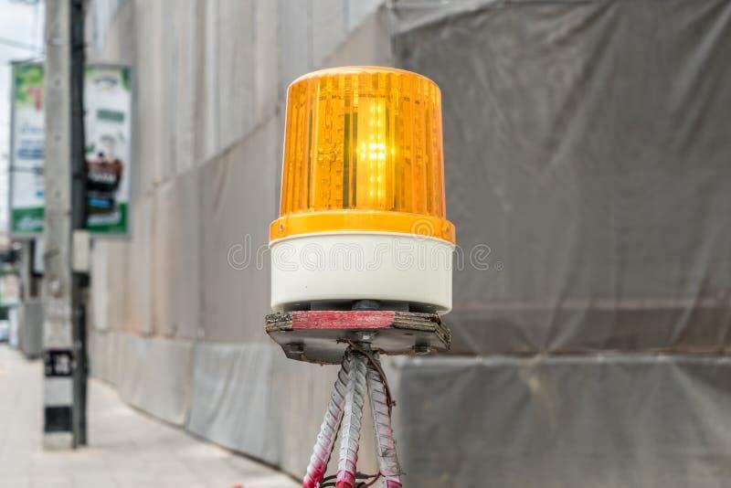 黄色警报器光 库存照片