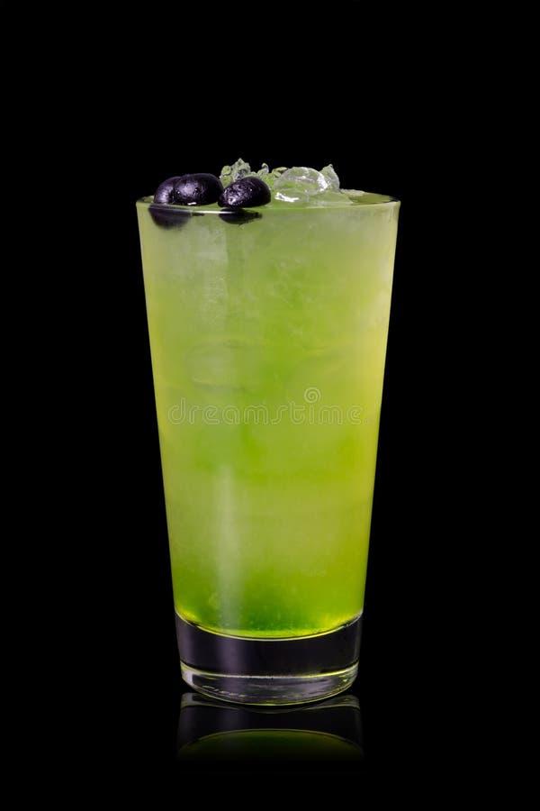 绿色酒精鸡尾酒 免版税库存图片