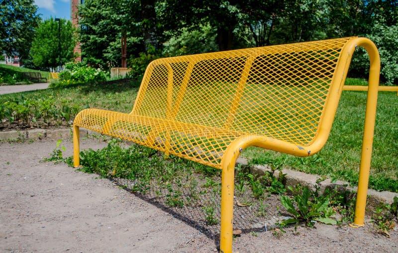 黄色长凳 图库摄影