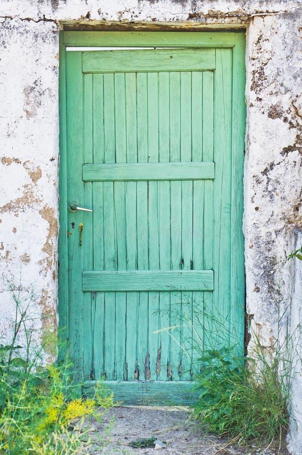 绿色门 库存照片