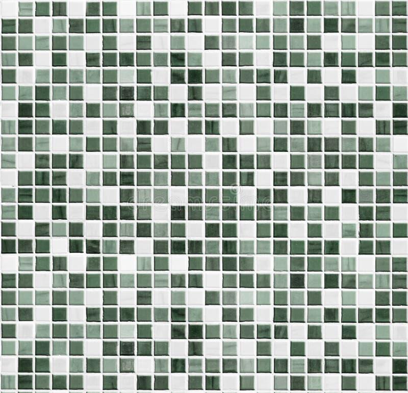 绿色马赛克卫生间、厨房或者洗手间瓦片墙壁背景 免版税库存图片