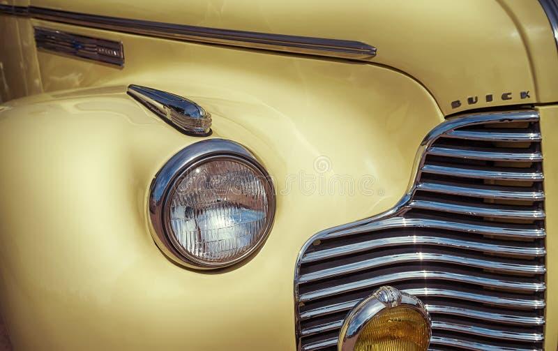 黄色1940年别克敞篷车经典汽车 库存照片