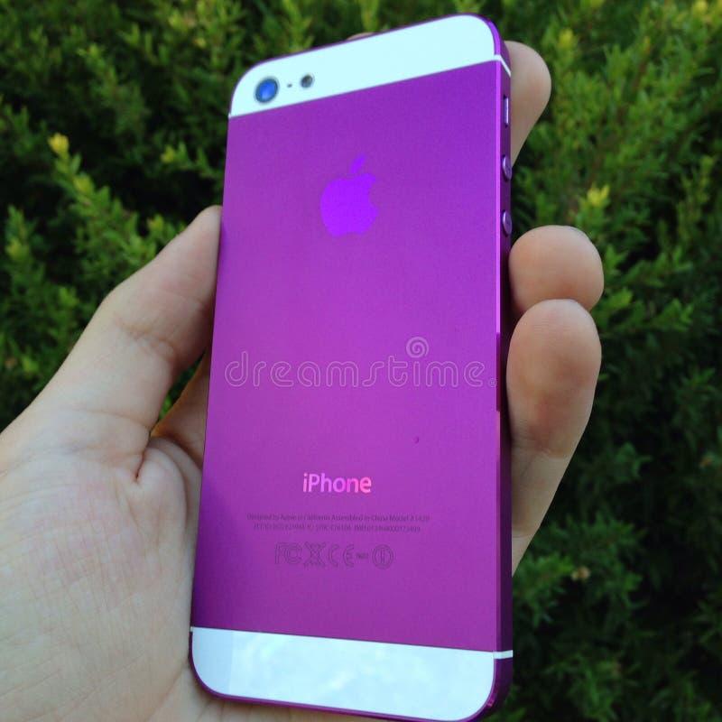 紫色iphone 库存图片