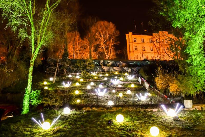 艺术公园在萨格勒布,在灯节的克罗地亚期间 免版税库存图片