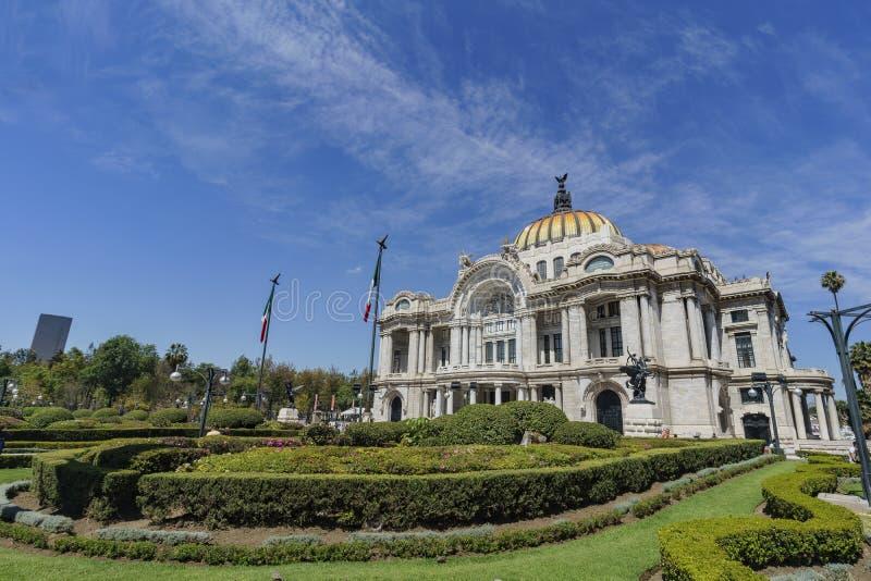 艺术大教堂在墨西哥 免版税库存照片