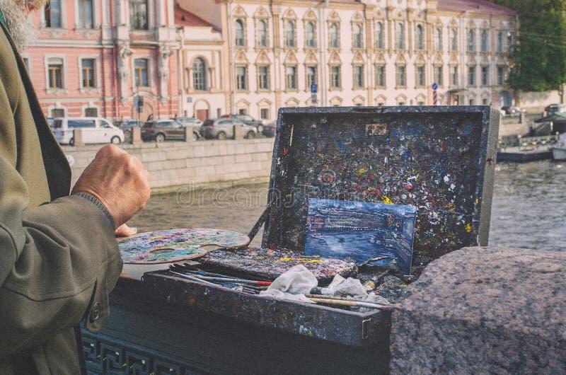 艺术家在工作 免版税库存照片