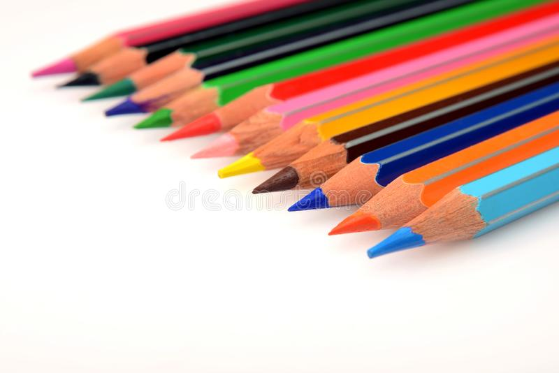 艺术家的五颜六色的水彩铅笔 免版税库存照片