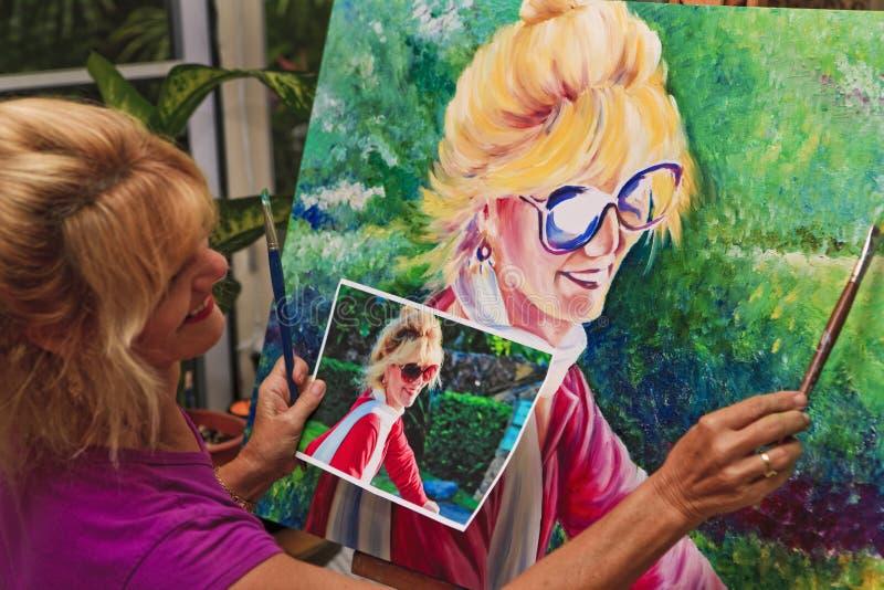 艺术家绘画纵向自 免版税库存图片