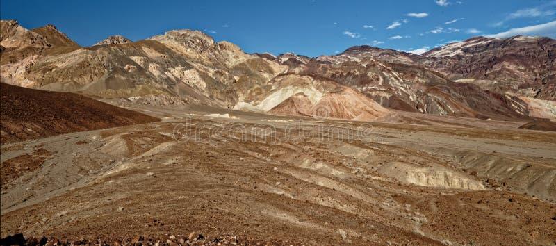 艺术家驱动全景风景在死亡谷,加利福尼亚 库存图片