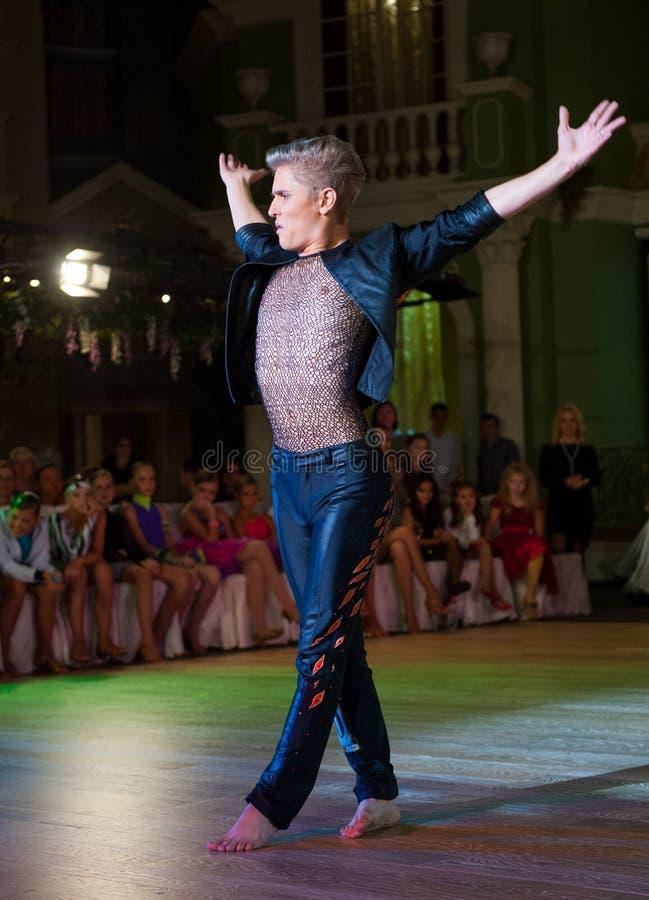 艺术性的舞蹈授予2012-2013