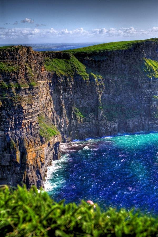 艺术性的clifs上色了爱尔兰moher  库存图片