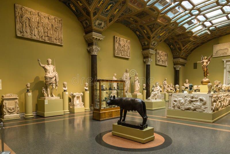 Download 艺术普希金博物馆在莫斯科 编辑类图片. 图片 包括有 陈列, 画廊, 复制, 项目, 里面, 室内, 巨大 - 62536430
