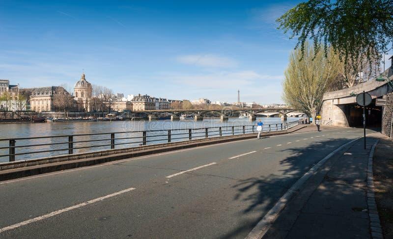 艺术桥或Passerelle des艺术是一座步行桥 库存图片