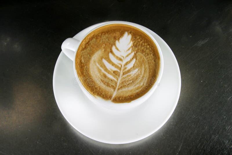 艺术热奶咖啡latte 免版税库存图片