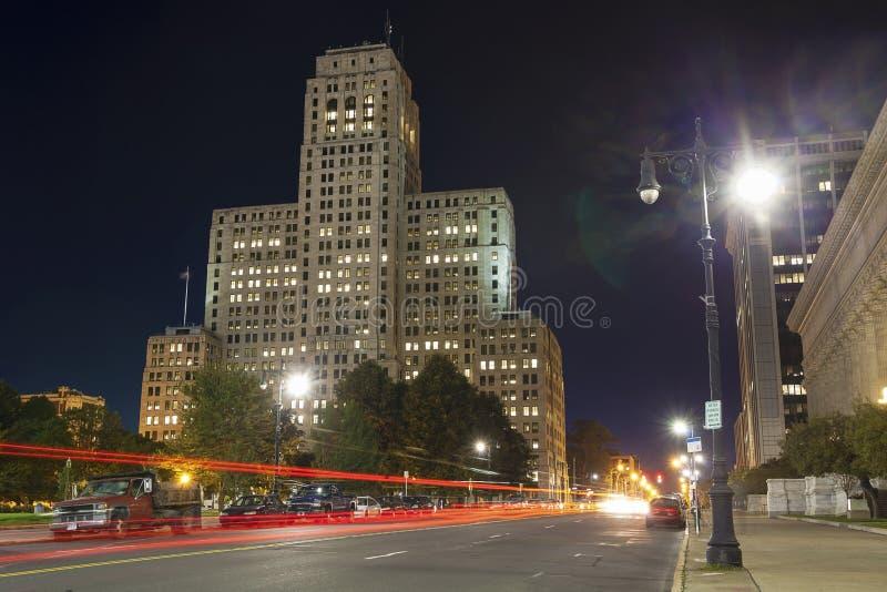 艺术装饰摩天大楼夜, NY 库存照片