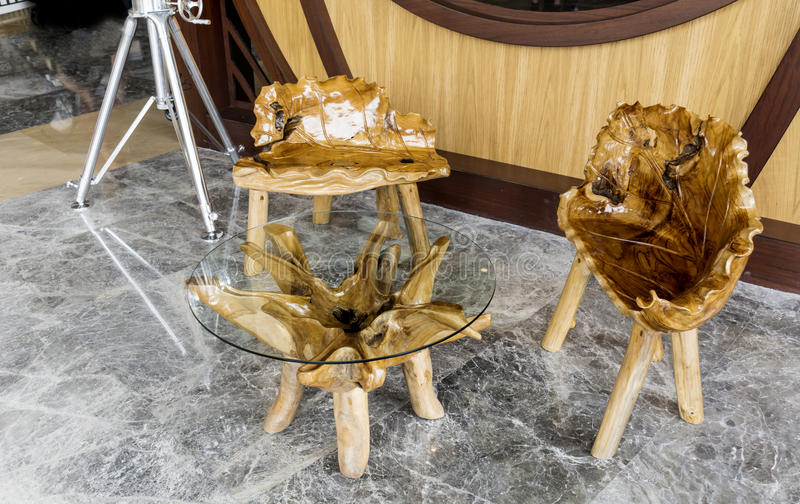艺术装饰木桌和椅子 库存图片
