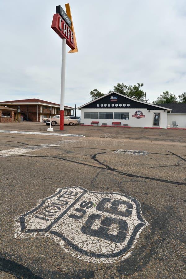 艾德里安,得克萨斯,美国, 2017年4月25日:中点咖啡馆路线66 免版税库存图片