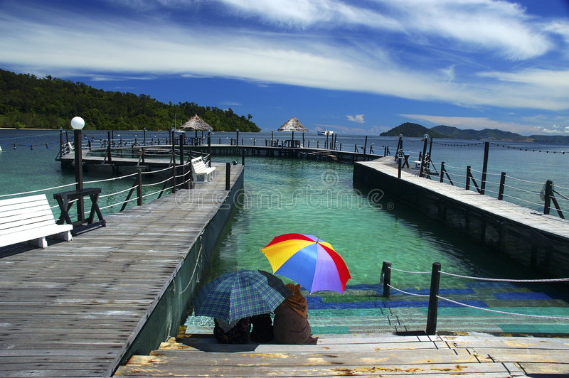 Download 节假日 库存图片. 图片 包括有 人们, 海洋, 蓝色, 放松, 聚会所, 自然, 本质, 横向, 海岛, 天空 - 53011