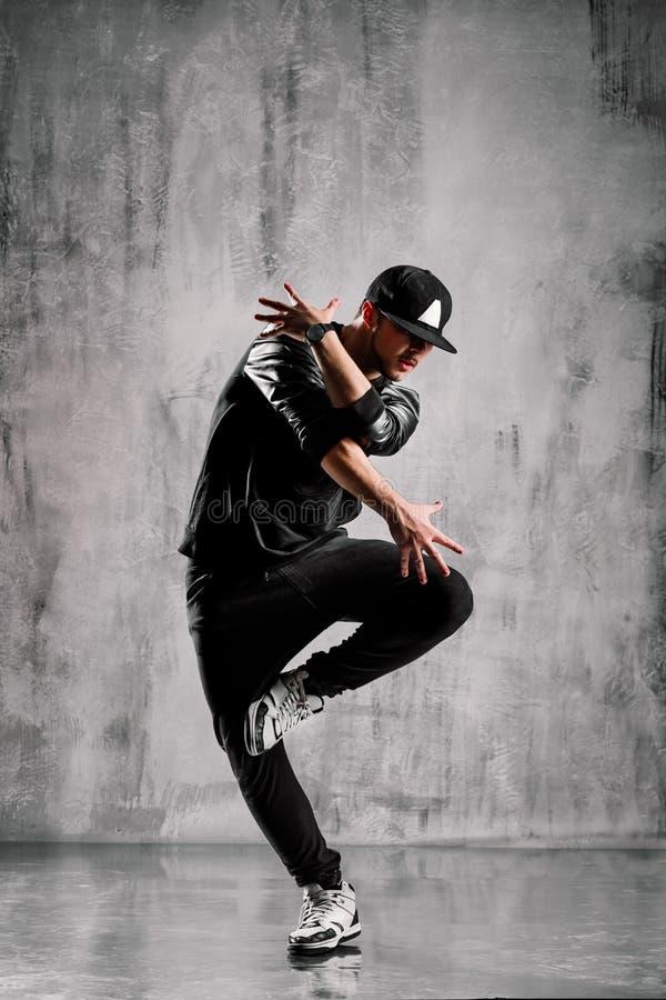 节律唱诵的音乐舞蹈演员 免版税库存照片