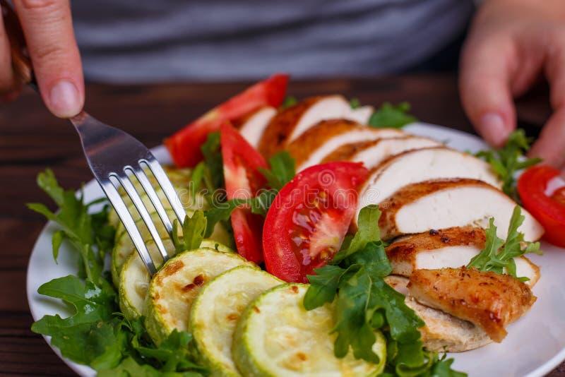 节食概念,健康生活方式,低热值食物,低碳饮食 免版税图库摄影
