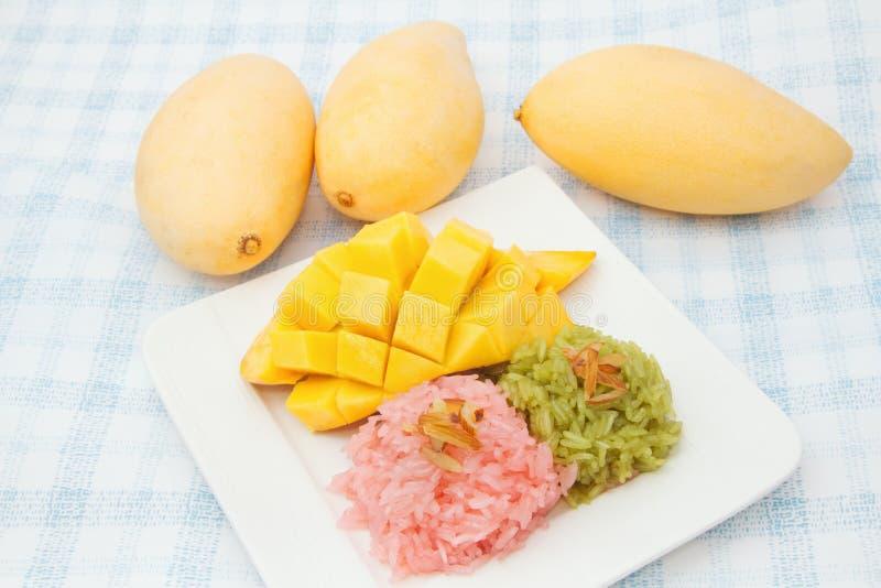 Download 芒果和五颜六色的黏米饭 库存照片. 图片 包括有 泰国, 本质, 果子, 营养, 肥胖, 聚会所, 粘性 - 30330540