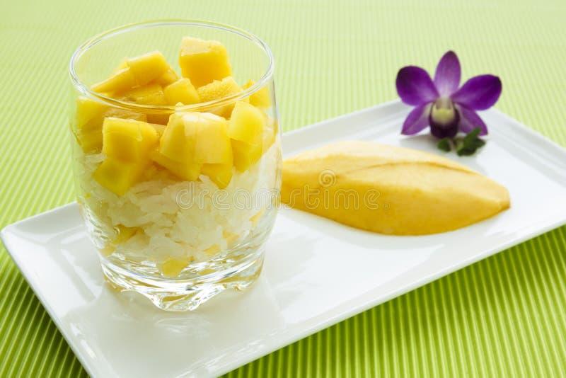 芒果黏米饭 免版税库存照片