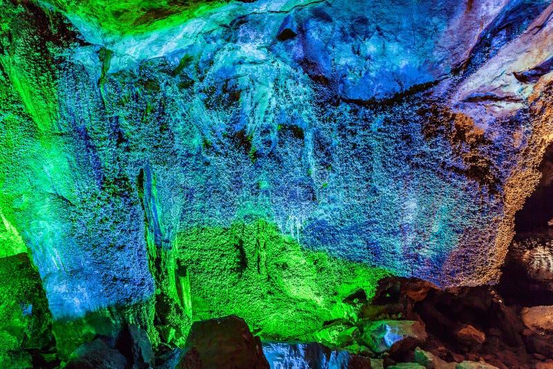 芙蓉山洞在乌龙石灰岩地区常见的地形全国地质公园,中国 免版税库存图片