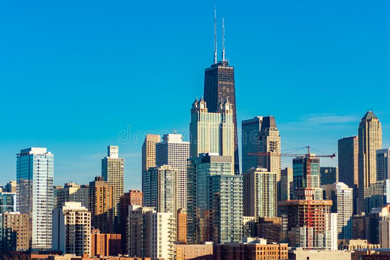 芝加哥从西方的地平线视图在一好日子 免版税库存图片