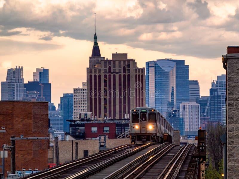 芝加哥公共交通和都市风景 都市运输和街道在伊利诺伊 免版税库存照片