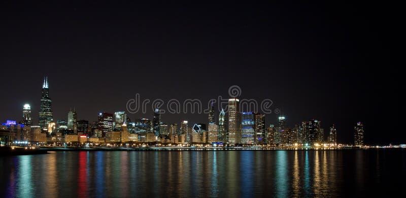 芝加哥地平线在晚上 库存图片