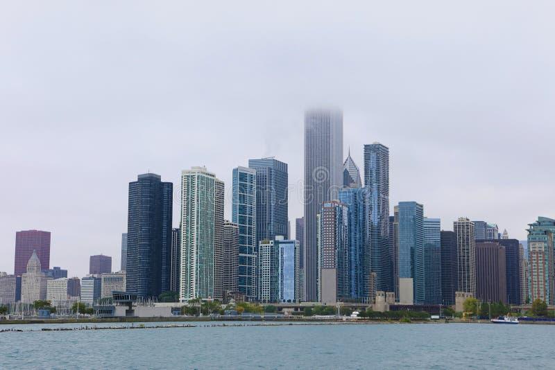 芝加哥地平线看法在薄雾的 图库摄影
