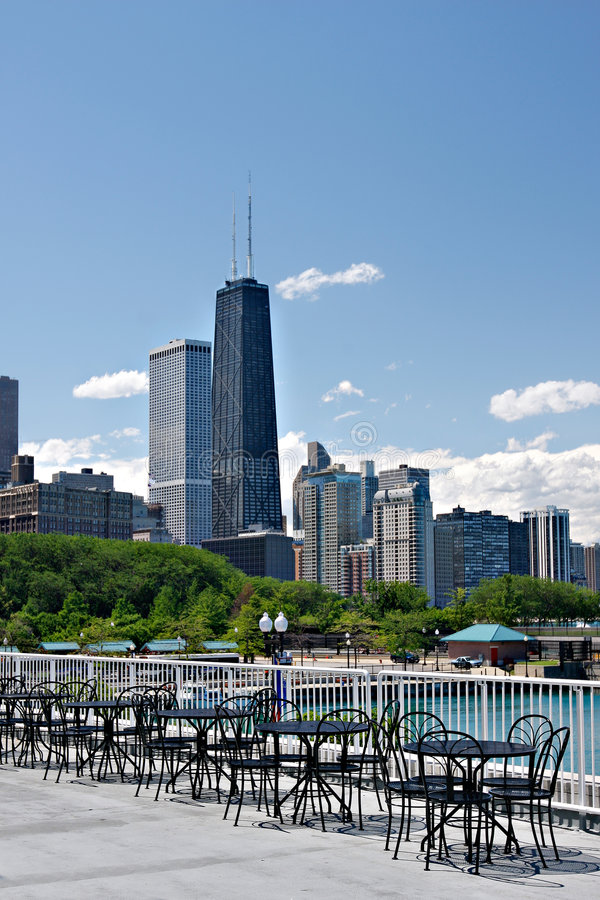 芝加哥小巷夏天视图 免版税库存照片